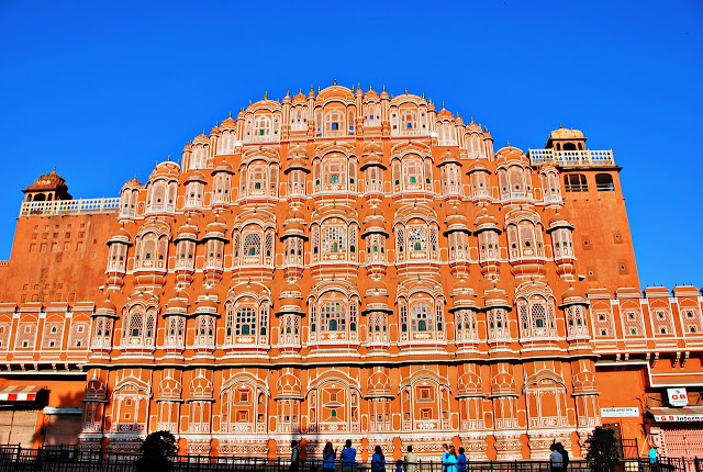 Facade of Hawa Mahal in Jaipur