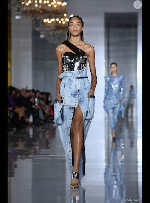 Lindas ideias de jeans desconstruído para você se inspirar e favoritar