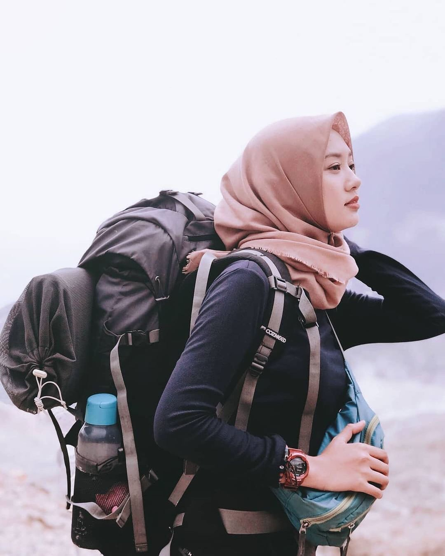Tips Mendaki Gunung Untuk Para Cewek