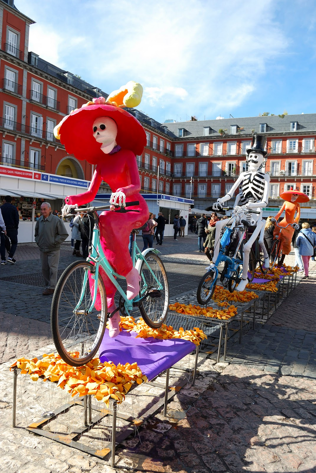 Halloween Madrid Spain catrina plaza mayor mexico