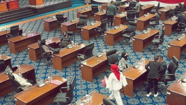 Hanya Dihadiri PDIP dan PSI, Rapat Paripurna Interpelasi Anies Batal