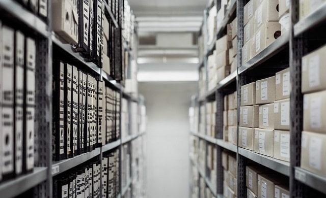 guide buying storage lockers business storing units