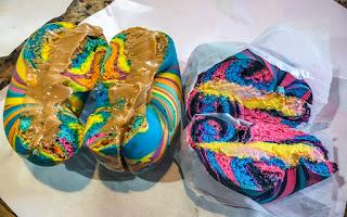 Rainbow Bagels - Ne goûte pas le sucre, mais regarde comme ça. Juste agréable à regarder!