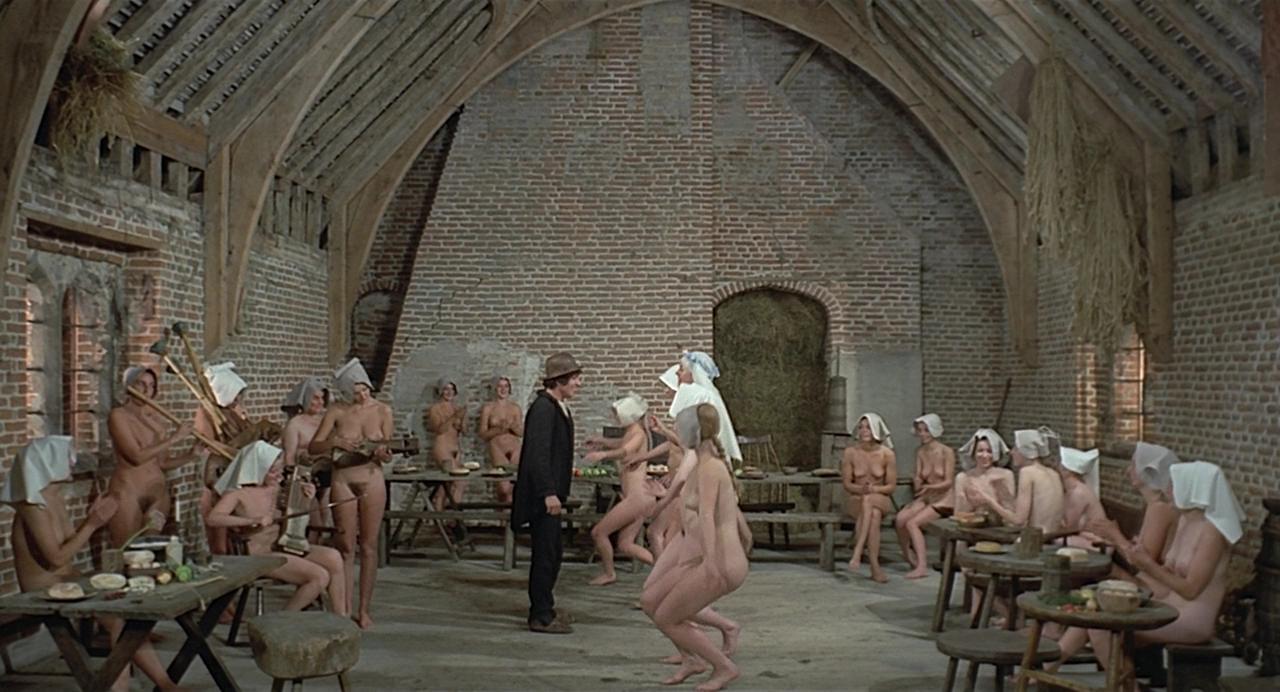 posmotret-film-visokogo-kachestva-s-italyanskoy-erotikoy-eroticheskie-filmi-ustanovlennie-na-ferme