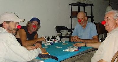 Caras de poker que trasmiten seguridad y confianza