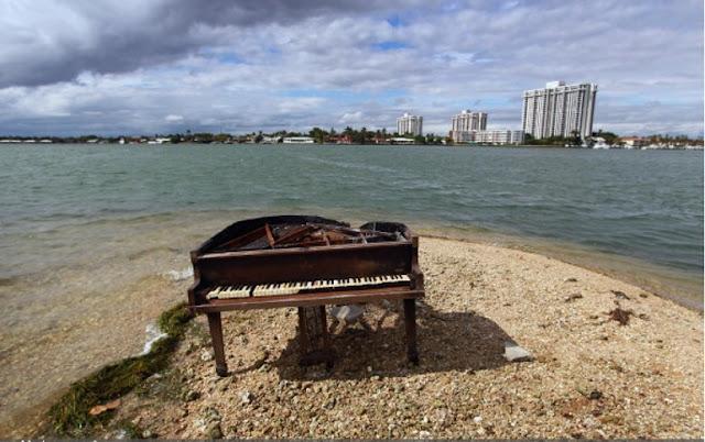 Um piano gigante em Miami, Flórida