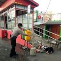 Warga Karangjati Geger, Ditemukan Sosok Lelaki Tewas di Halte BRT Depan Pasar Karangjati