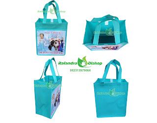 tas souvenir ultah frozen,tas ulang tahun frozen, tas ultah anak frozen murah, souvenir ultah frozen