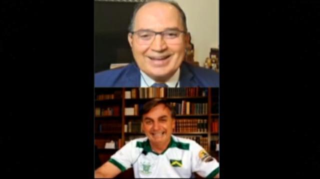 Cloroquina ou Tubaína? A bizarra prescrição de Bolsonaro em meio a 1.179 mortes dia