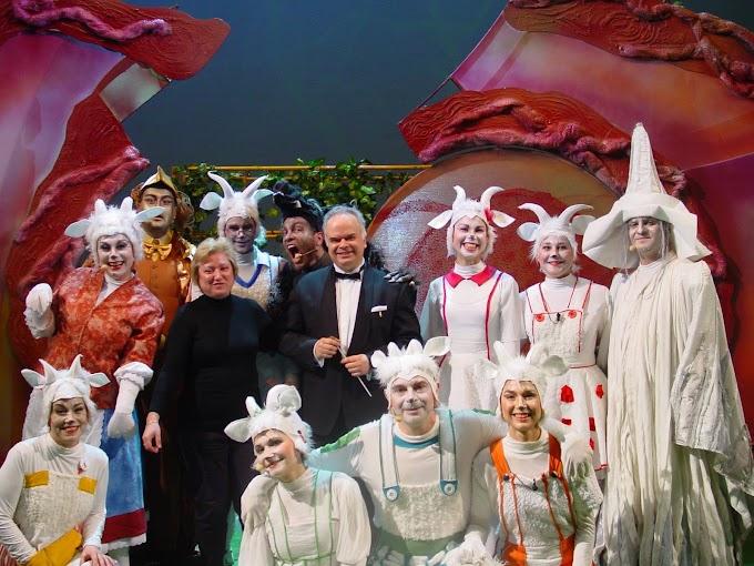 """Юлия Кръстева, оперен режисьор в Софийската опера:     """"СЪЗДАВАМ ТВОРБИТЕ СИ, ЗА ДА МОГАТ ДЕЦАТА ДА ПОЛЕТЯТ НА ЕЗИКА НА МУЗИКАТА И НА КРИЛЕТЕ НА ФАНТАЗИЯТА!"""""""