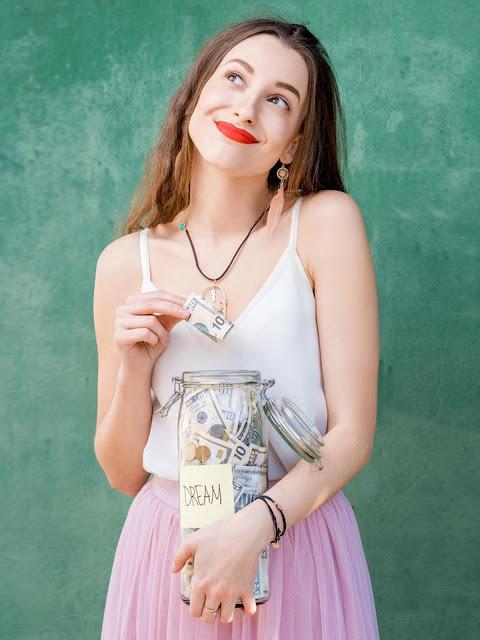 Lima Cara Kreatif Menghemat Uang di Bulan Agustus