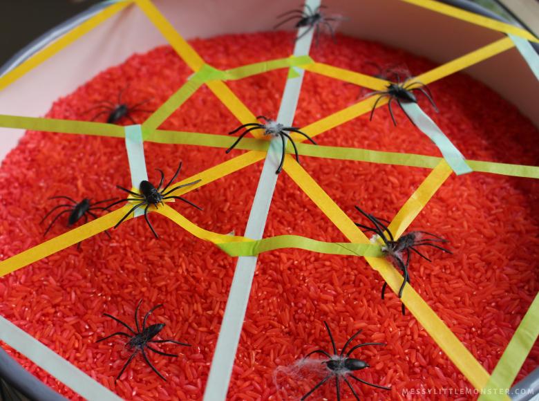 how to make a spider sensory bin