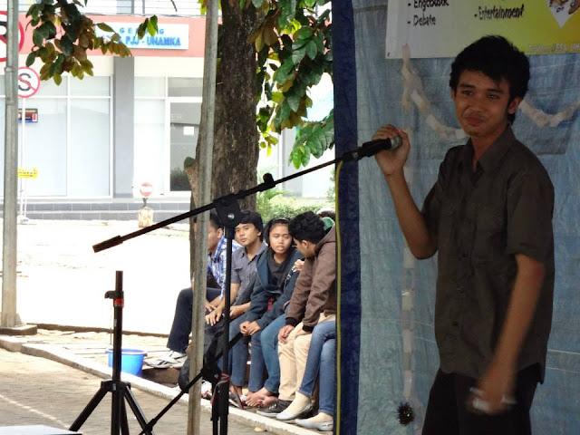 The Thief and Baker; Menang Juara 1 Storytelling Di Lomba UHAMKA English Festival 2012