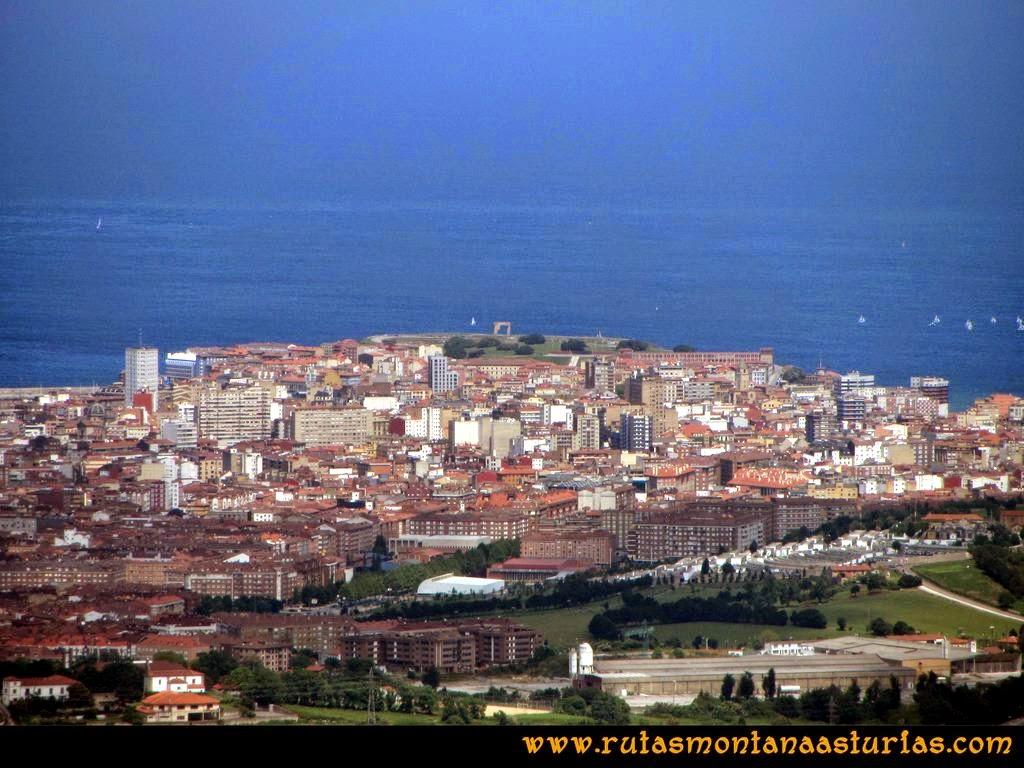 Senda Verde Camocha - Pico Sol - Piles: Vista del centro de Gijón desde el Pico del Sol