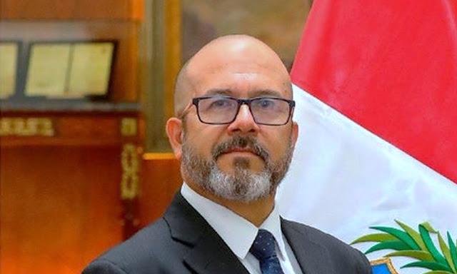 Nuevo ministro de Salud a Víctor Marcial Zamora Mesía