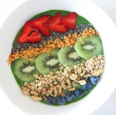http://kailochic.blogspot.com/2015/07/eat-it-smoothie-bowls.html