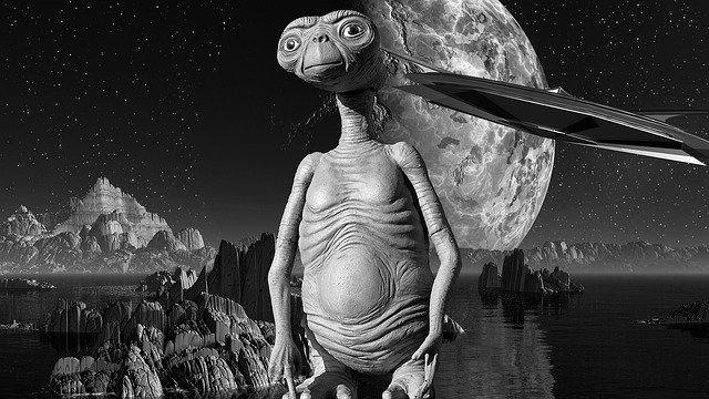सैनिक बनाम अज्ञात प्राणी : एलियन की कहानी - Alien Story