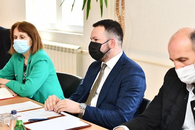 Canović poručio Abazoviću: Odustanite od promjene propisa oko prebivališta i boravišta