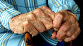 Αναζητήσεις από την αστυνομία στην Αργολίδα για άτομο που απέσπασε 1000 ευρώ από ηλικιωμένο