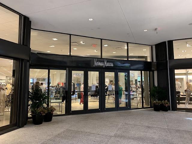 Lojas de departamento no shopping Bal Harbour Shops em Miami