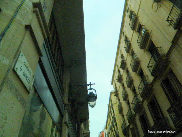 Carrer d'Avinyó, no Bairro Gótico de Barcelona