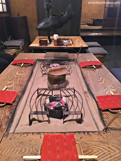 Nuestra Mesa en esta Izakaya Tradicional de Tokio
