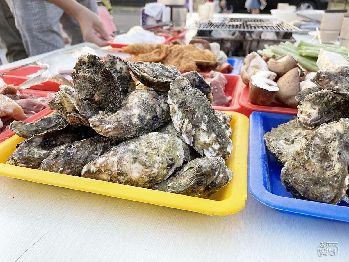 高雄美食|林園區 狂!499海鮮吃到飽~【阿香澎湖碳烤】新鮮直送魚貨海鮮|高雄秘境全台唯一水母湖