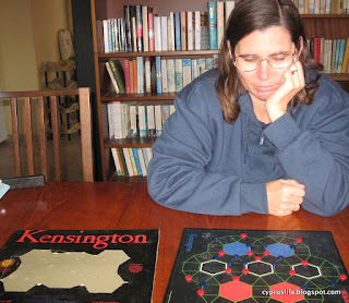 The Kensington board game, featuring hexagons and tricky strategies