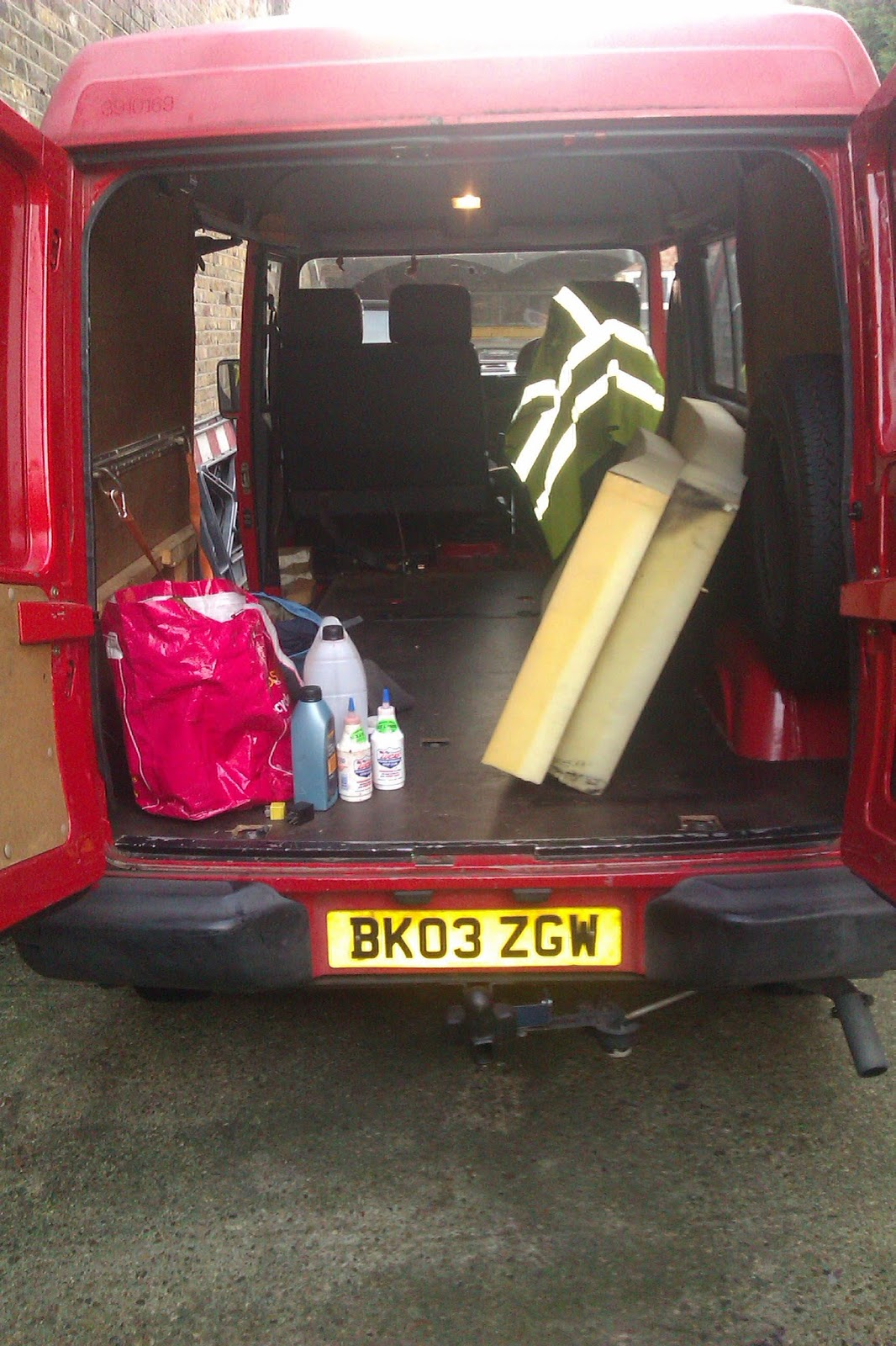 Ldv Pilot Van Ignition Switch Wiring Diagram Towball Set Up Some Oil Bottles Almost Full And New Specific Tools Diesel Can Nozzle Small Jack 2 Axle Stands Club Manual Cd