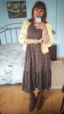 vestido con rebeca abierta