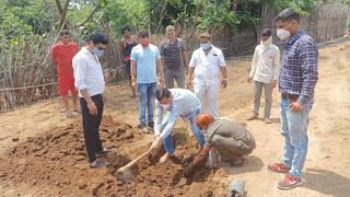 जिला कांग्रेस अध्यक्ष महेश पटेल ने आमखुट सहित आसपास ग्रामो मे मास्क वितरण किए