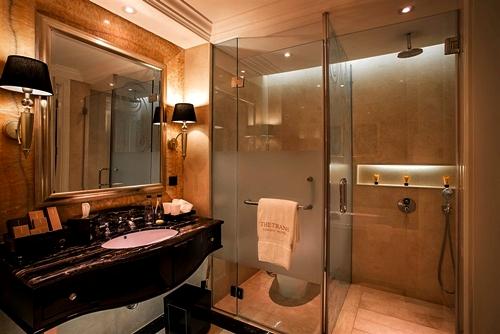 Desain Kamar Mandi Nuansa Hotel Bintang Lima | Rumah Minimalis