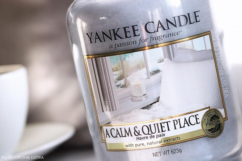 etykieta świecy yankee candle a calm & quiet place