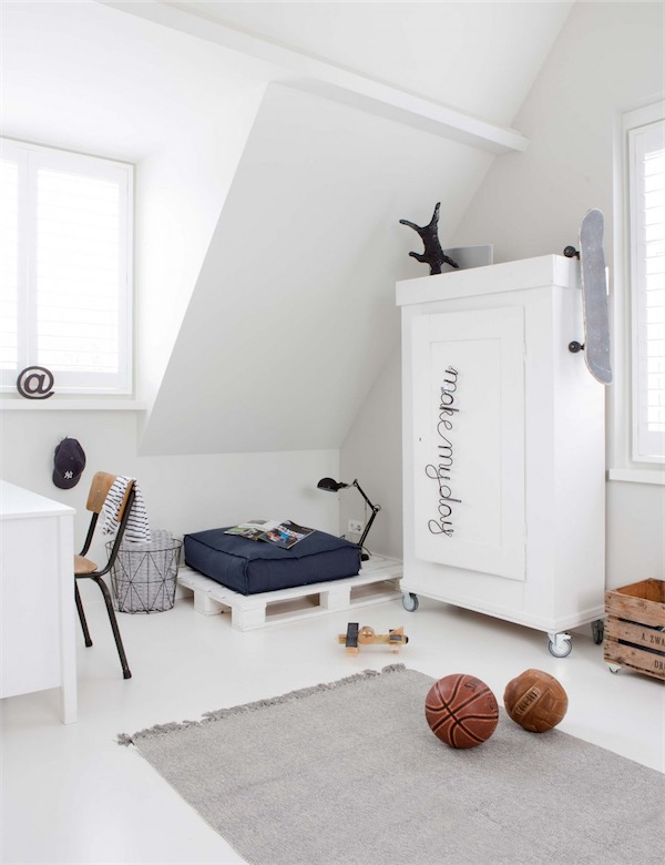 dormitorio juvenil con sofa de pales chicanddeco