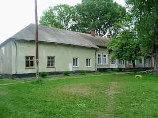 Руда. Школа на месте бывшего замка