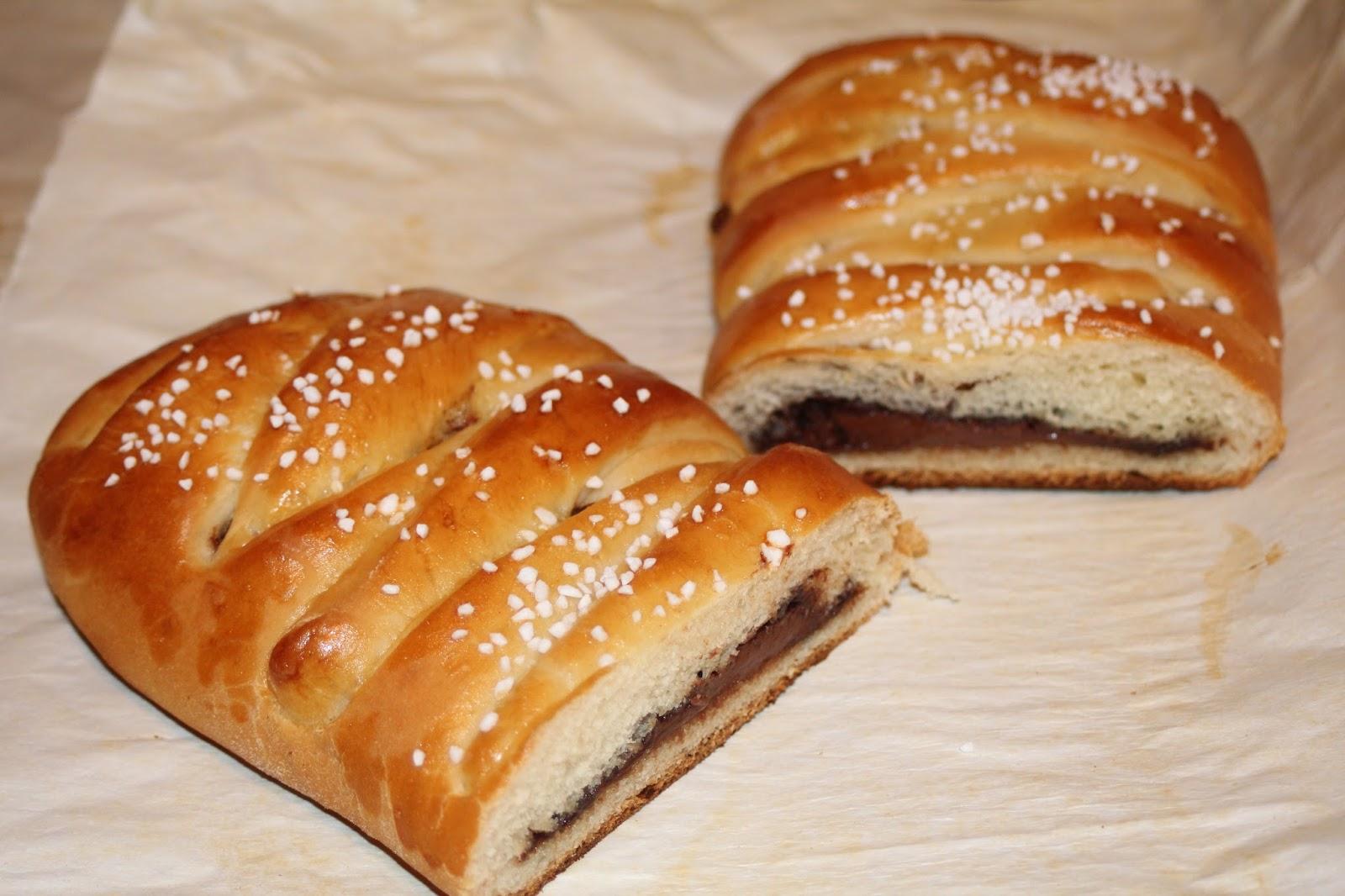 Julie Bakes: Nutella stuffed bread