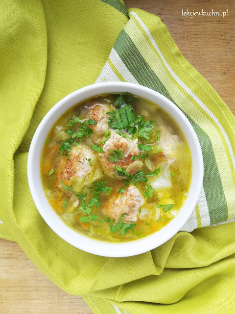 Zupa z młodej kapusty z pulpecikami / Young Cabbage Meatball Soup