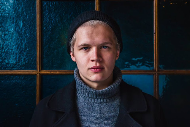 Brynjar Leifsson of monsters and men guitarrista beneath the skin islandia