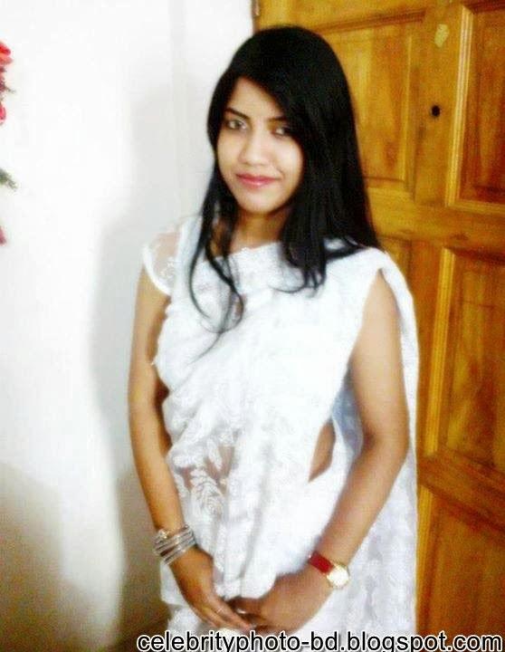 FB Girl Nusrat Zara Looking Sexy And So Hot In Saree Photos