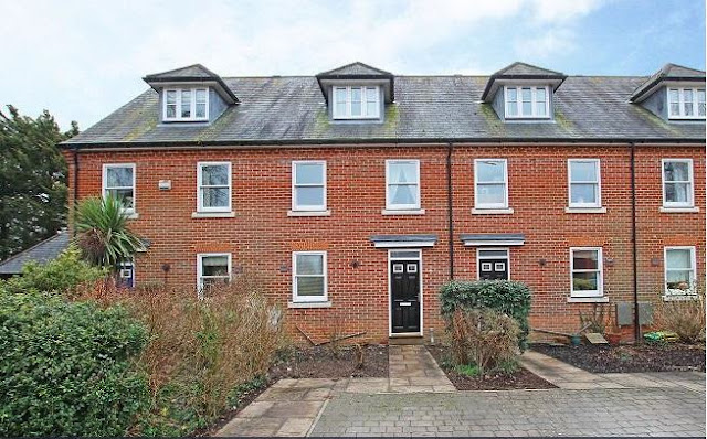 3 bed house, The Sadlers, Chichester, West Sussex