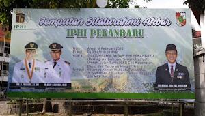 Zulmansyah: Program Berbagi Air Zamzam IPHI Sejalan dengan PWI Riau Peduli