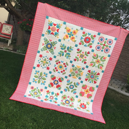 Sew Simple Shapes Series Quilt designed by by Lori Holt of Bee in my Bonnet