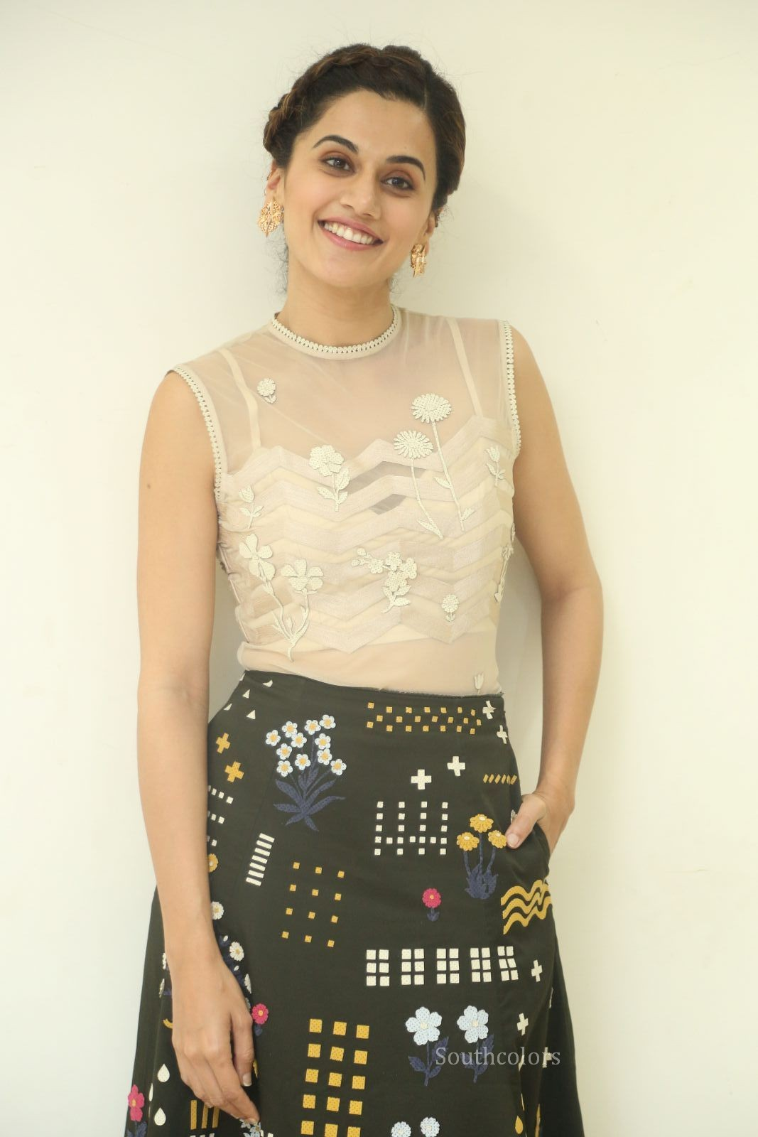 taapsee pannu stills at anando brahma trailer launch southcolors%2B%25285%2529