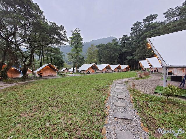 拉波波村營區環境共有 24 頂高級帳篷