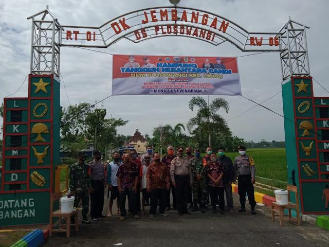 Siaga Kampung Tangguh Nusantara Candi, TNI Polri Cawas dan Pemdes Pasang Spanduk