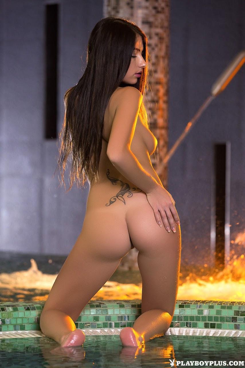 [Playboy Plus] Niemira - Late Night Dip 1489608634_premium_poster