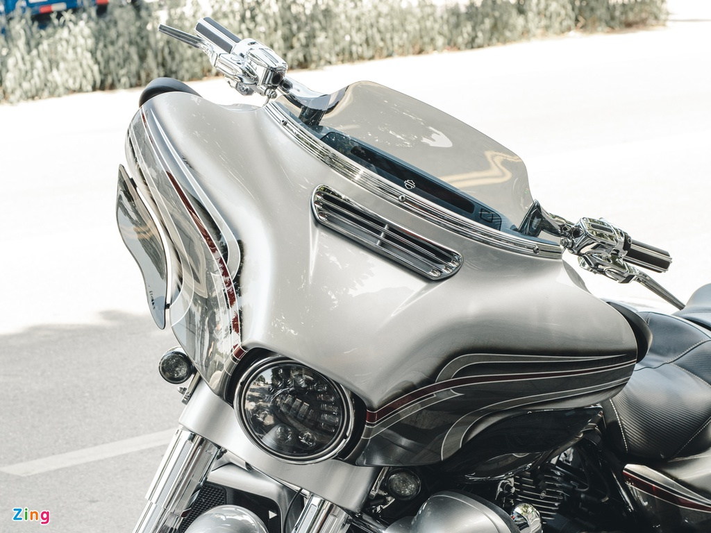 Harley-Davidson Street Glide CVO ngầu hơn với các trang bị hàng hiệu