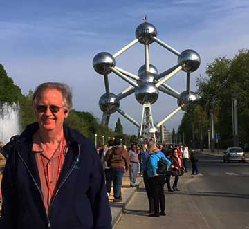 Palmia Observatory Resident Astronomer visits the Atomium in Brussels