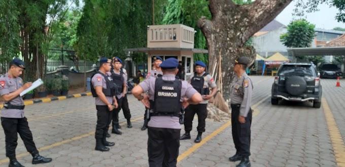 Polres Serang Kota Melakukan Sterilisasi Jibom di Gereja GKR, Bersama (Jihandak) Sat Brimob Polda Banten