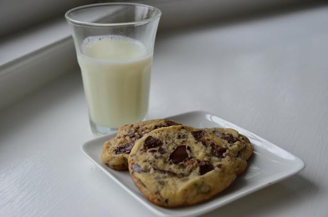 Big Chocolate Chip Cookie Cake Recipe